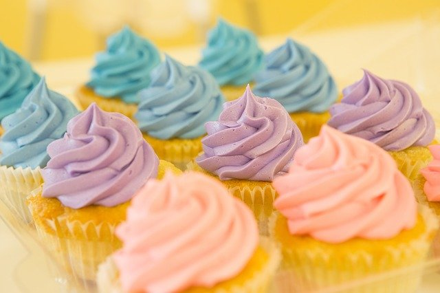 This image has an empty alt attribute; its file name is cupcakes-2285209_640.jpg